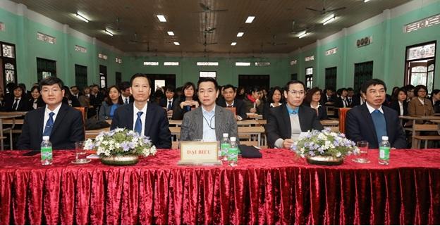Trường Đại học Kinh tế – Kỹ thuật Công nghiệp tổ chức thành công Hội nghị đại biểu cán bộ, viên chức năm 2020