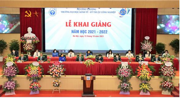 Trường Đại học Kinh tế – Kỹ thuật Công nghiệp tổ chức Lễ khai giảng năm học mới 2021 – 2022